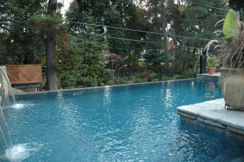 Swimming pools blue water pools - How to make swimming pool water blue ...